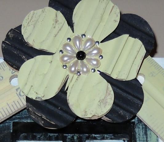Corrugated flower