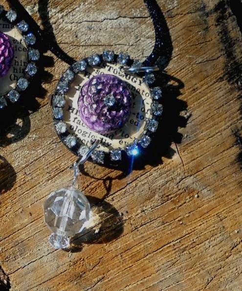 Close up pendant