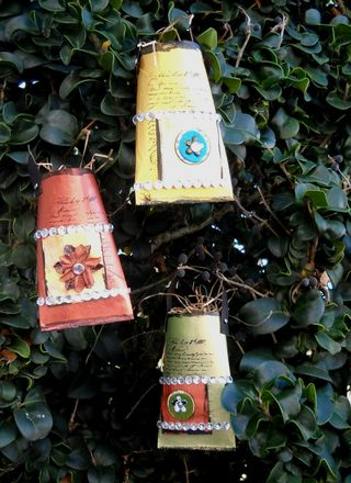 Recycled tube favors 2