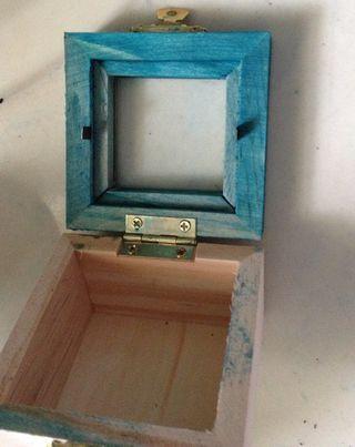 Dyed box