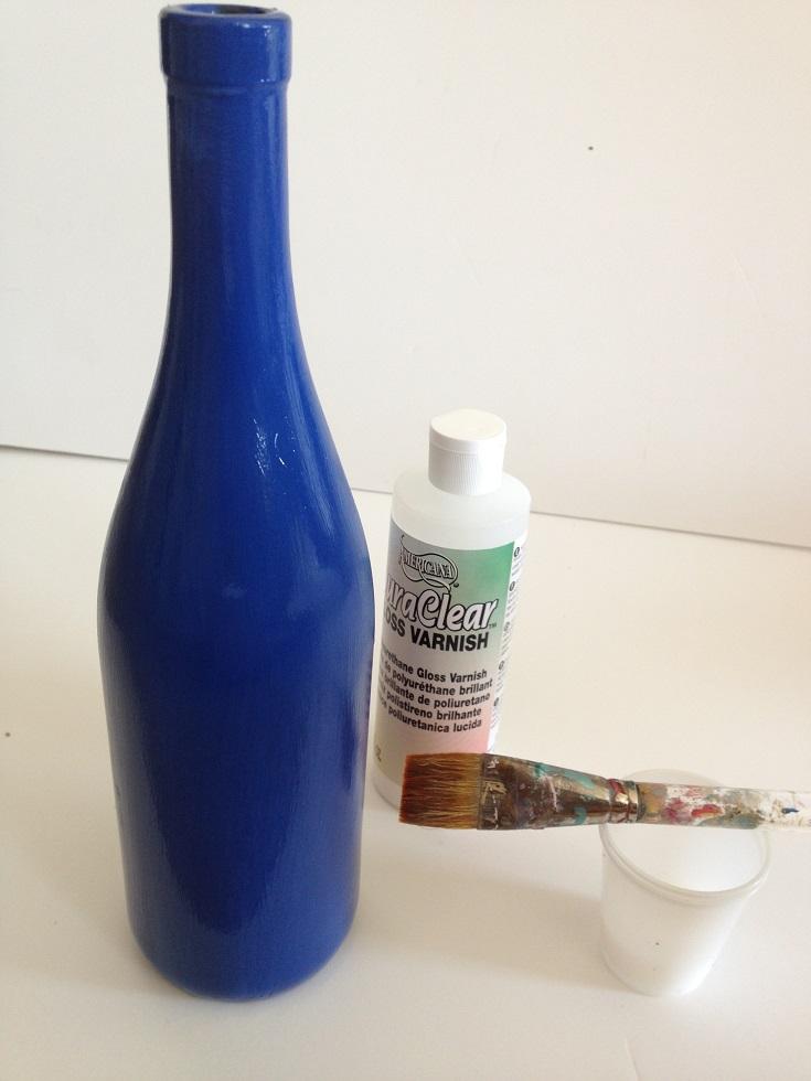 Varnish coating for bottle