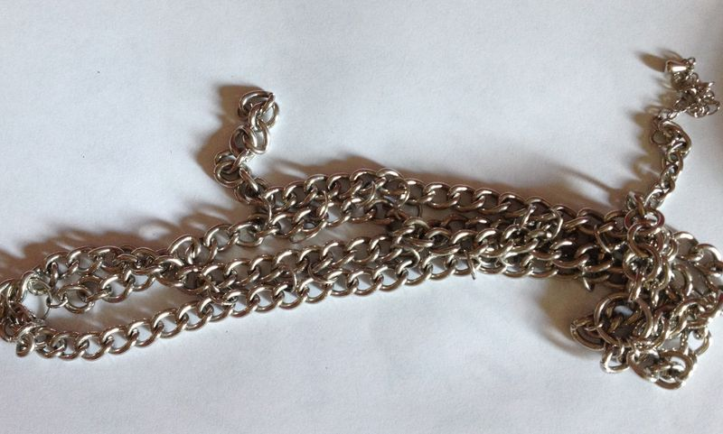 Broken chain (1024x616)