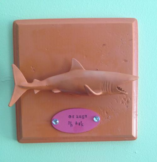 Fish plaque shark
